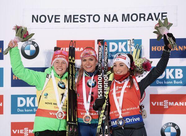 Лаура Дальмайер, Габриэла Коукалова, Доротея Вирер (слева направо)