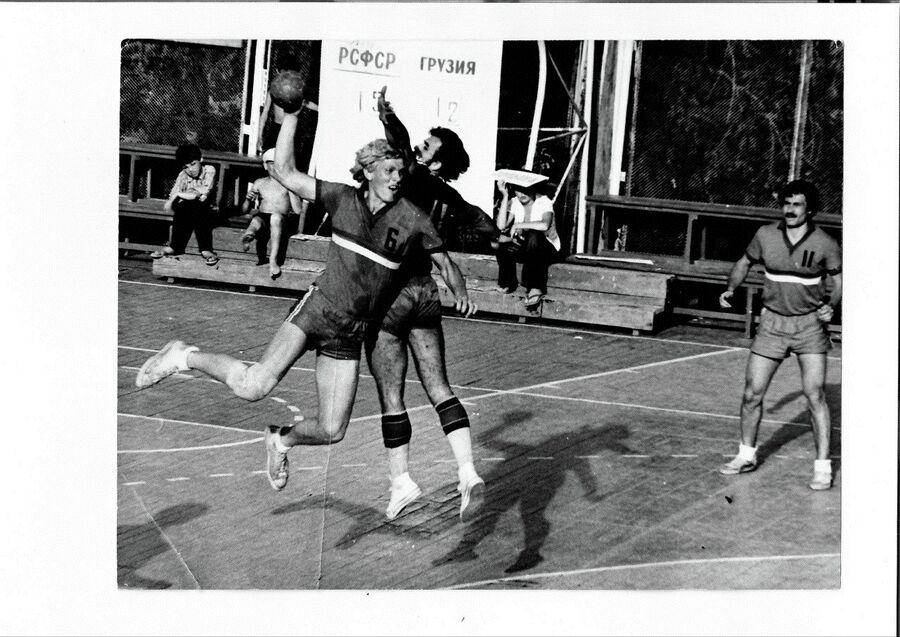 1974 год. II Всесоюзные сельские игры в Саратове. Левый полусредний сборной РСФСР Евгений Трефилов