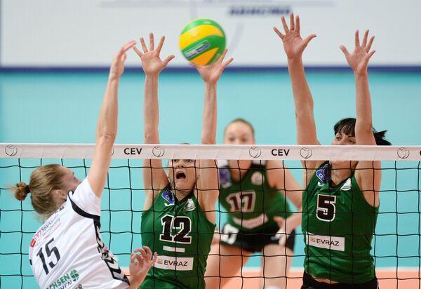 Игровой момент матча Уралочка-НТМК - Дрезднер