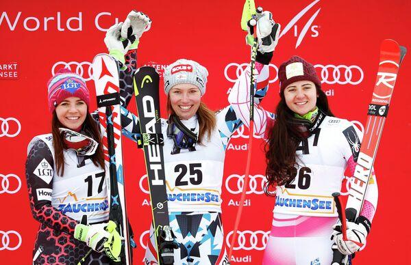 Тина Вайратер (Лихтенштейн), Кристина Шайер (Австрия) и Жаклин Уайлс (США) (слева направо)
