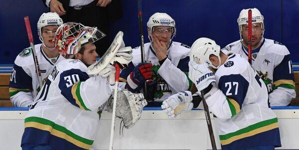 Хоккеисты Дивизиона Боброва Антон Ковалев, Игорь Шестеркин, Павел Дацюк, Вячеслав Войнов и Илья Ковальчук (слева направо)