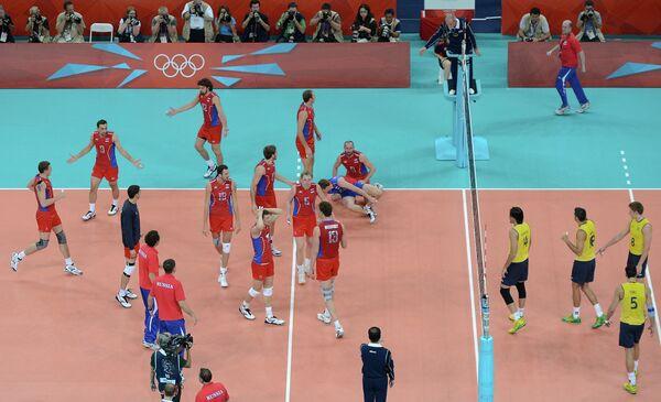 Игровой момент финального матча ОИ-2012 по волейболу Россия - Бразилия