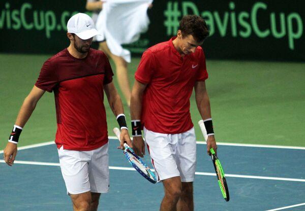 Российские теннисисты Константин Кравчук и Андрей Кузнецов (слева направо)