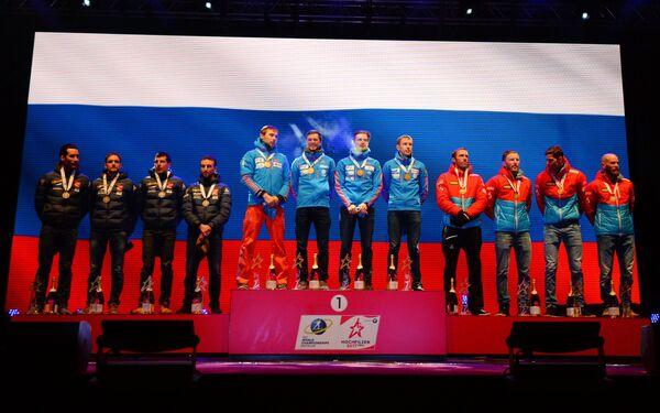 Призеры эстафеты среди мужчин на чемпионате мира по биатлону в австрийском Хохфильцене