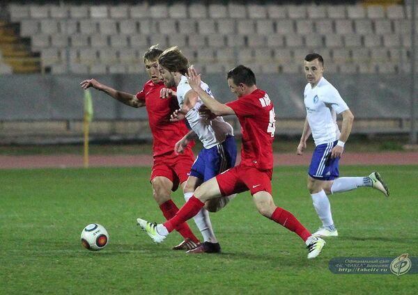 Игровой момент матча Факел - Мордовия