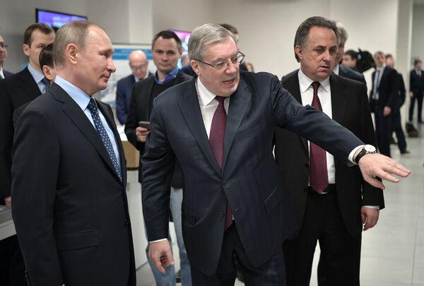Владимир Путин, Виктор Толоконский и Виталий Мутко (слева направо)