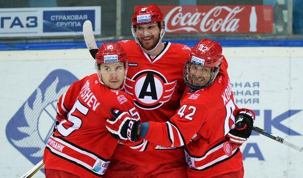 Анатолий Голышев, Алексей Михнов и Петр Коукал (слева направо)