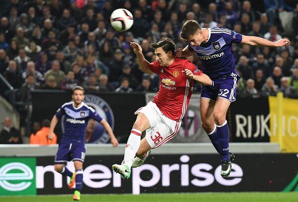 Игровой момент матча Манчестер Юнайтед - Андерлехт
