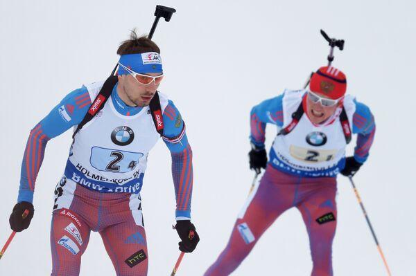 Российские биатлонисты Антон Шипулин (слева) и Антон Бабиков