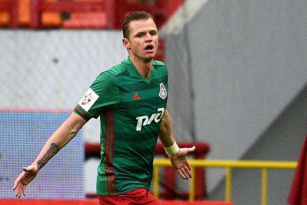 Полузащитник Локомотива Дмитрий Тарасов