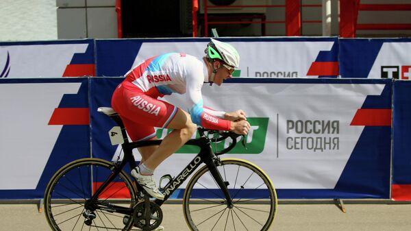 Велогонщик Владислав Дуюнов