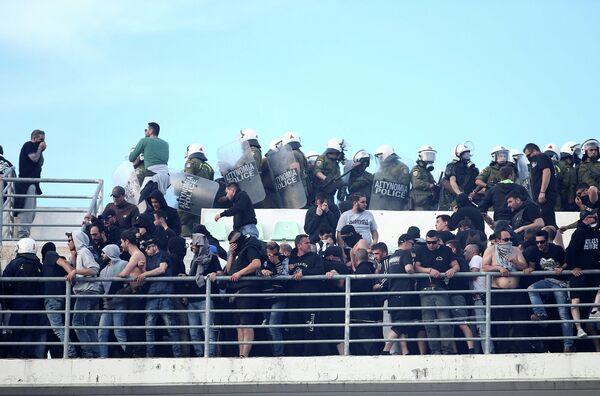 Беспорядки во время финального матча Кубка Греции по футболу между ПАОКом и АЕКом