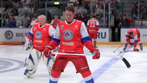 Павел Буре перед началом гала-матча Ночной хоккейной лиги