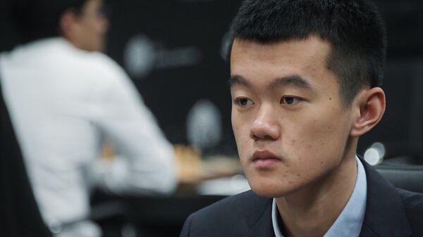 Китайский шахматист Дин Лижэнь