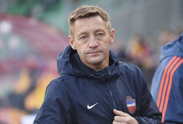 Главный тренер ФК Енисей Андрей Тихонов