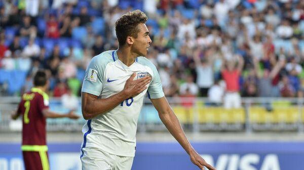 Нападающий молодежной сборной Англии Доминик Калверт-Льюин