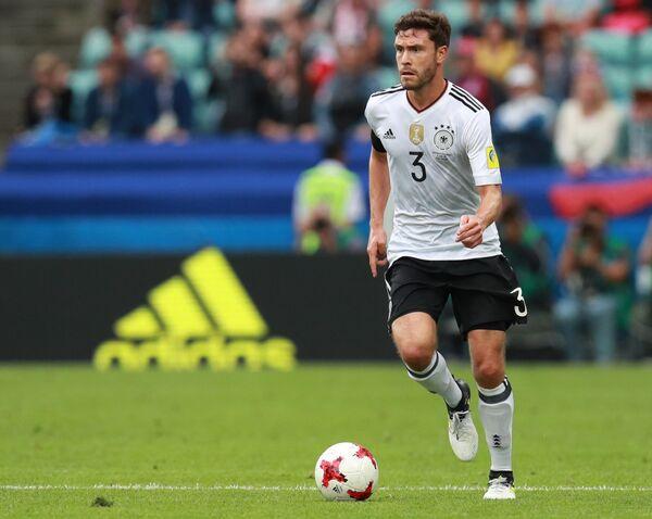 Защитник сборной Германии Йонас Хектор