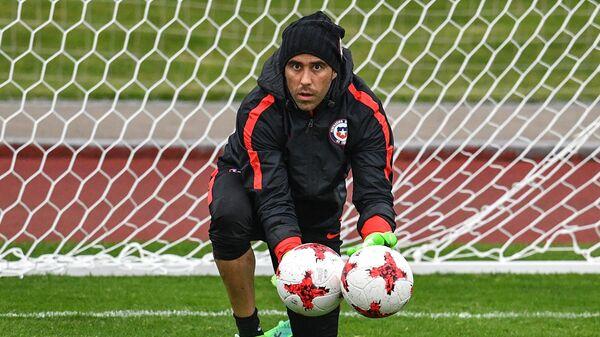 Вратарь сборной Чили Клаудио Браво