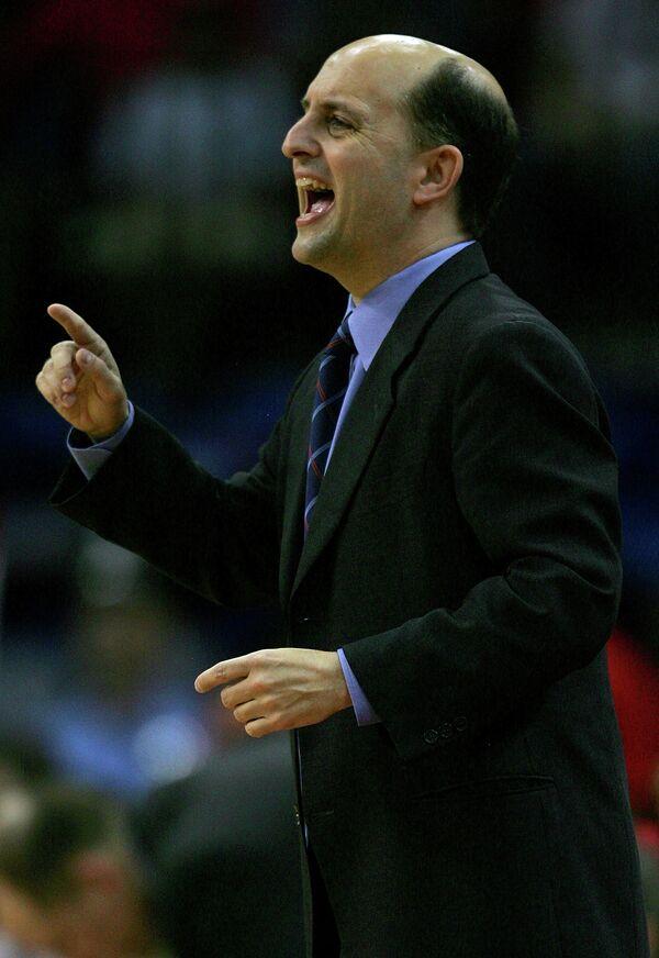 Американский баскетбольный тренер Джефф Ван Ганди