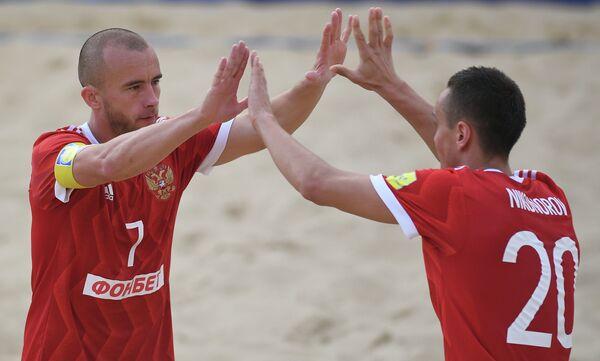 Игроки сборной России Антон Шкарин и Борис Никоноров (слева направо)