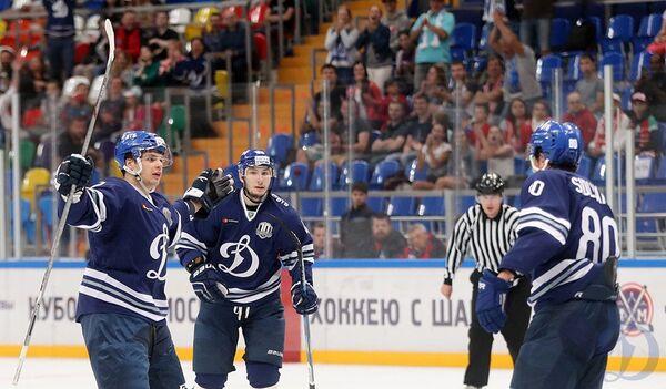 Форвард Динамо Глеб Корягин (крайний слева)