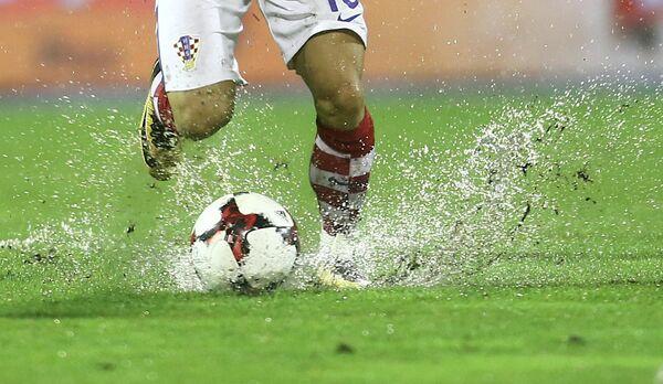 Газон стадиона Максимир во время матча между сборными Хорватии и Косово