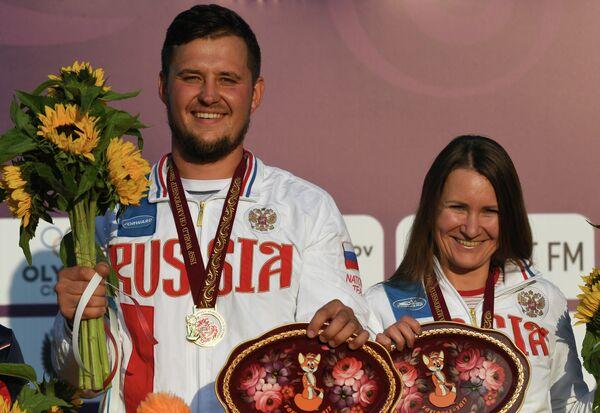 Николай Теплый и Надежда Коновалова (слева направо)
