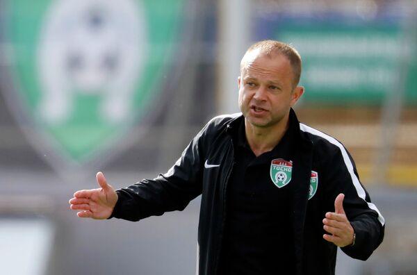 Главный тренер Тосно Дмитрий Парфенов