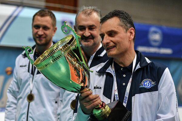 Главный тренер московского Динамо Зоран Терзич (справа)