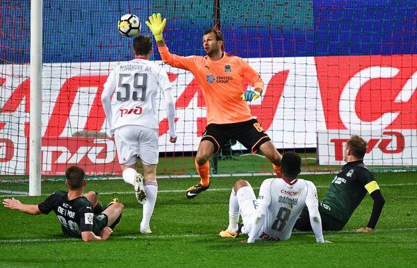 Игровой момент матча 14-го тура РФПЛ Локомотив - Краснодар