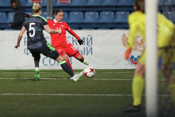 Игровой момент матча женских сборных России и Уэльса