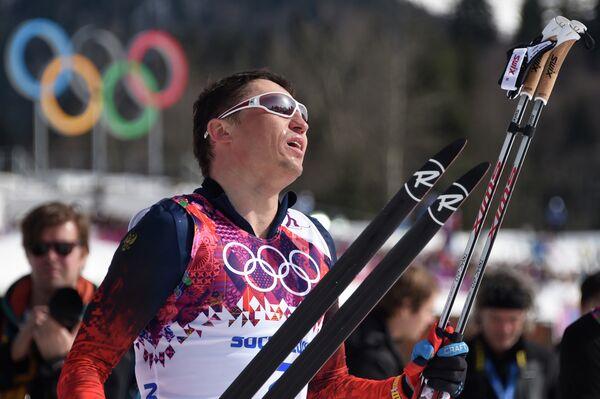 Александр Легков после финиша масс-старта на Олимпийских играх в Сочи