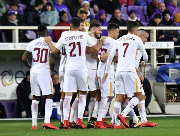 Игровой момент матча Фиорентина - Рома