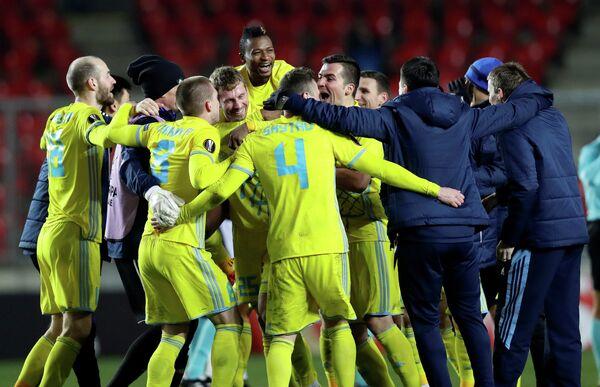 Футболисты Астаны радуются выходу в плей-офф Лиги Европы