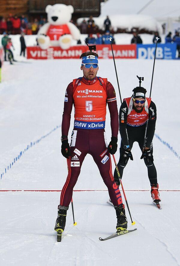 Антон Шипулин (на первом плане)