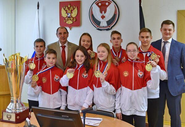 Победу во всероссийском фестивале ГТО среди школьников одержала команда Удмуртии, завоевав большой переходящий Кубок ГТО