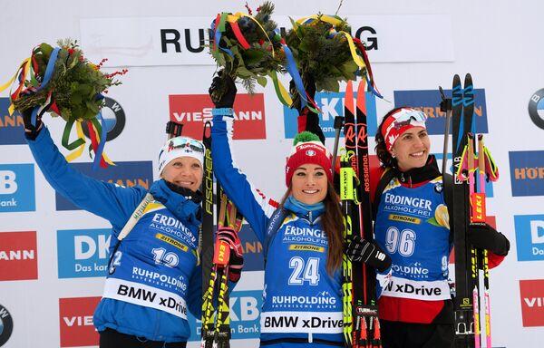 Кайса Мякяряйнен, Доротея Вирер и Розанна Кроуфорд (слева направо)