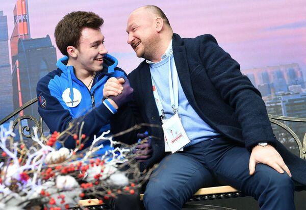 Тренер Евгений Рукавицын (справа) и Дмитрий Алиев