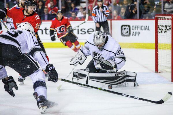 Вратарь клуба НХЛ Лос-Анджелес Кингз Дарси Кемпер