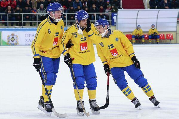 Игроки сборной Швеции Даниэль Берлин, Йеспер Эрикссон и Эрик Сэфстрём (слева направо)