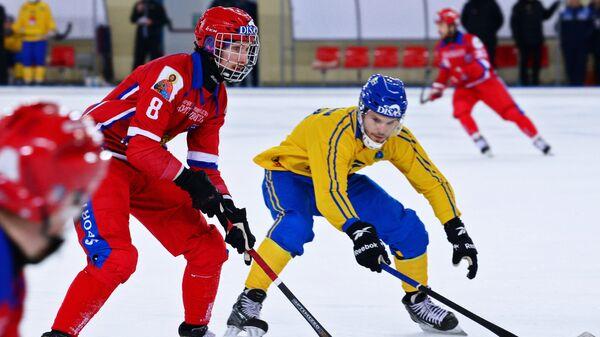 Максим Ишкельдин (справа)