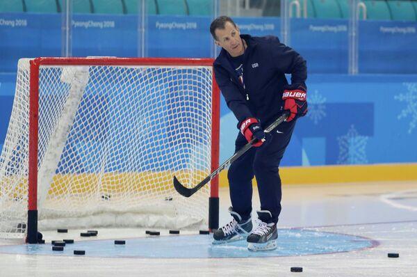 Главный тренер сборной США по хоккею Тони Гранато
