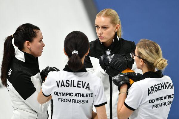 Российские спортсменки Юлия Гузиева, Ульяна Васильева, Виктория Моисеева и Галина Арсенькина (слева направо)