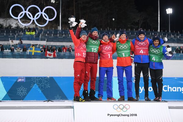 Денис Спицов (слева) и Александр Большунов, занявшие второе место
