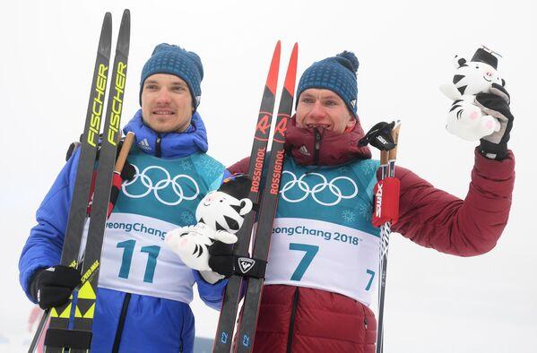 Андрей Ларьков и Александр Большунов (справа)