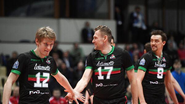 Игроки ВК Локомотив-Новосибирск Иван Лукьяненко, Михаил Щербаков, Сергей Савин (слева направо)