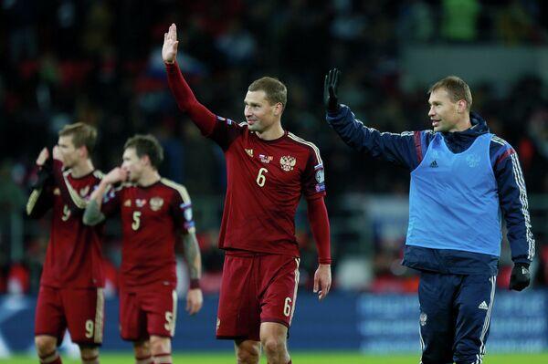 Алексей и Василий Березуцкие (слева направо на первом плане)