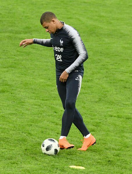 Форвард сборной Франции по футболу Килиан Мбаппе