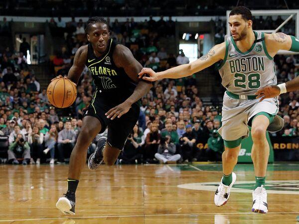 Игровой момент матча НБА Бостон Селтикс - Атланты Хокс