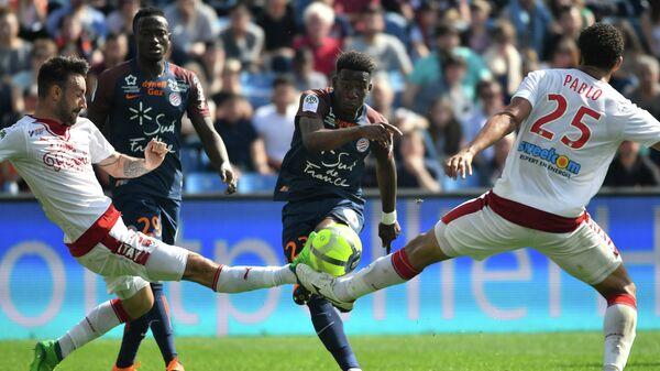 Игровой момент матча чемпионата Франции Монпелье - Бордо